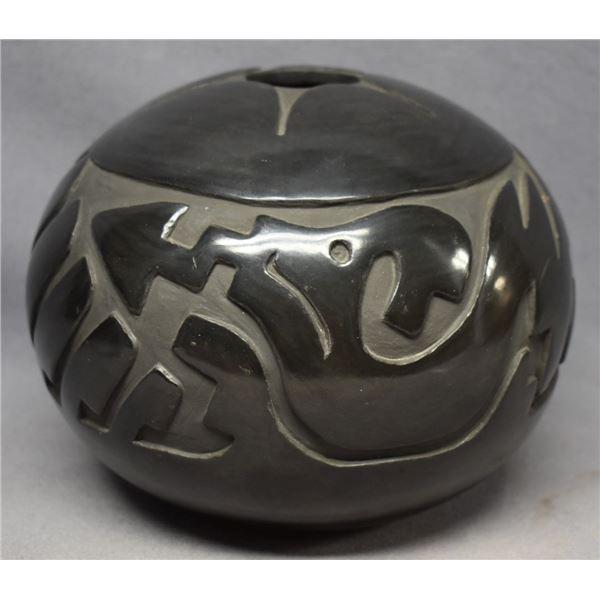 SANTA CLARA INDIAN POTTERY SEED JAR (SHARON GARCIA)