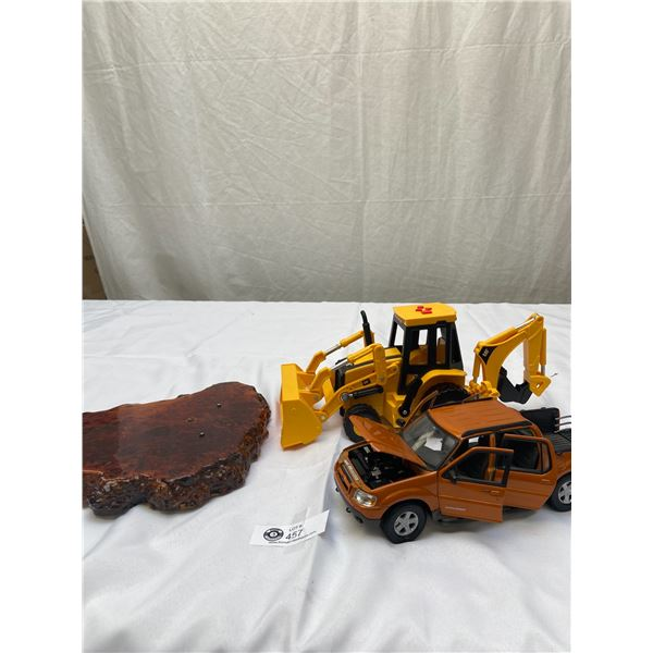1:18 Scale Ford Explorer Plus Battery Operated CAT Backhoe and Wooden Base