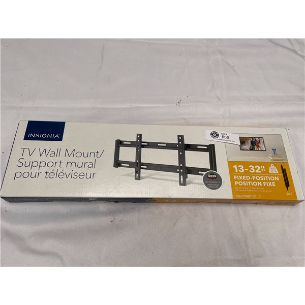 """Brand new In Box 13""""-32"""" Tv Wall Mount"""
