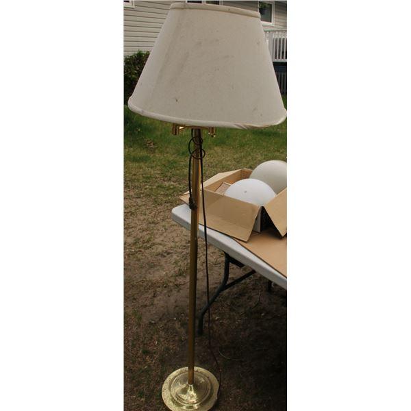 light fixtures round 2/ floor lamp