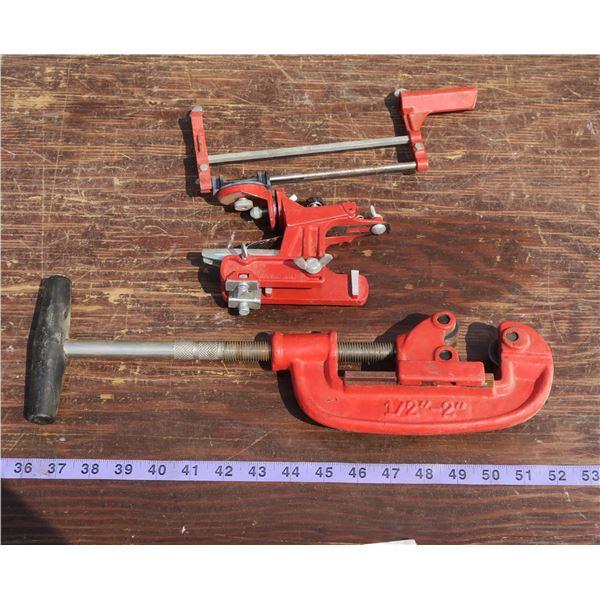 Pipe Cutter + Filing Guide