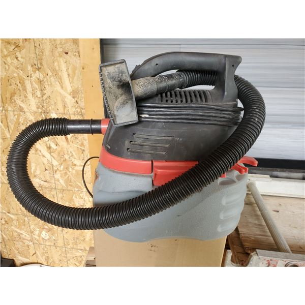 Husky 2.5 gallon wet/dry vac - works, no issues