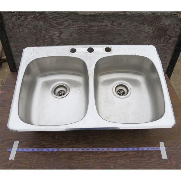 """Kitchen Sink 31.5""""×20.5"""""""