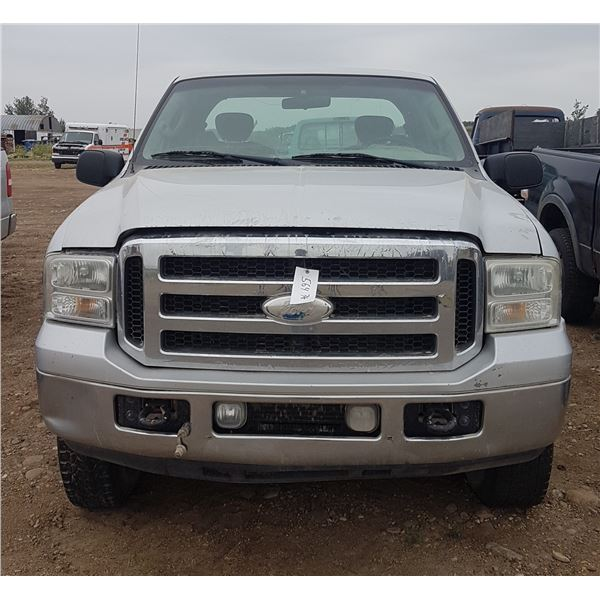 2006 Ford F250 4X4 (HAS KEYS) 1FTSX21546EC08839 *Needs Work*