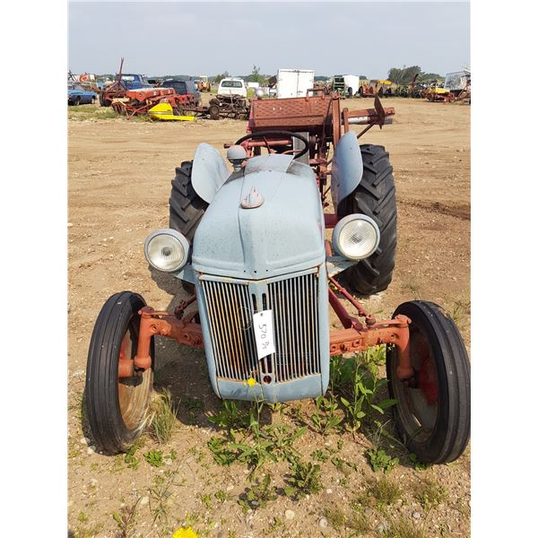 19?? Ford Tractor With Saw Mandrel