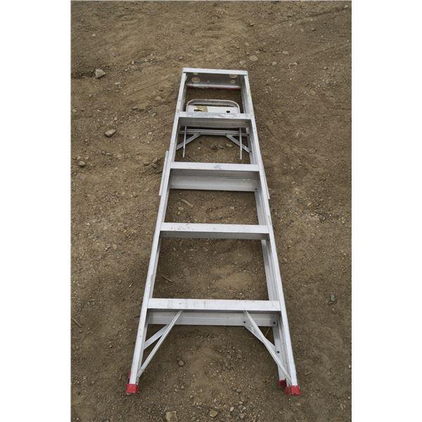 5' Aluminum Ladder