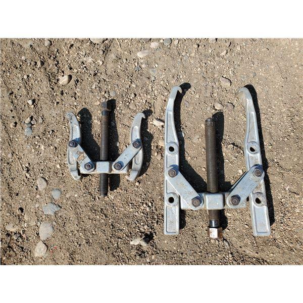 2 gear pullers