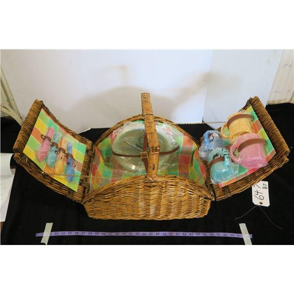 Vintage Wicker Picnic Basket + Plastic Picnic Dish Set