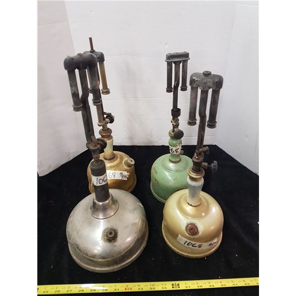 4 Oil Lanterns