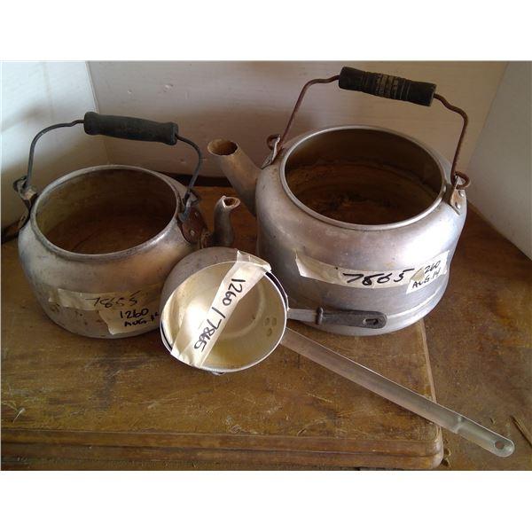 2 - Aluminum Pots & Dippers