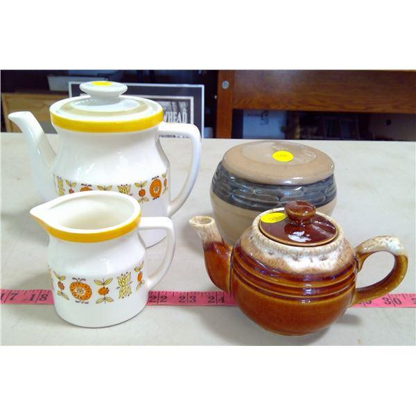 2 Teapots, Creamer & Sugar Bowl