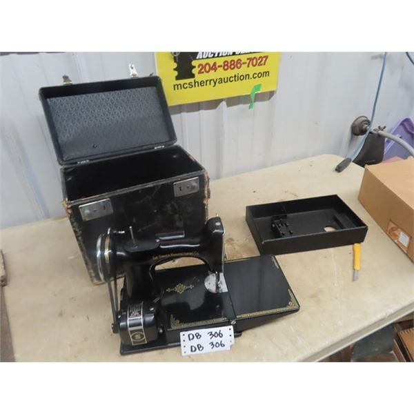 Portable Singer Elec Sewing Machine