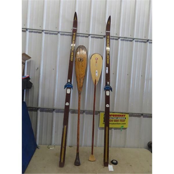 Set of Skis & 2 Paddles