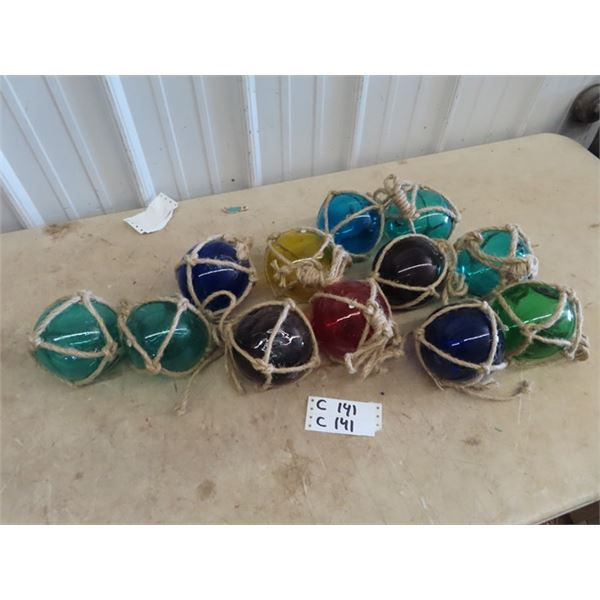 Approx 12 Glass Net Float Displays