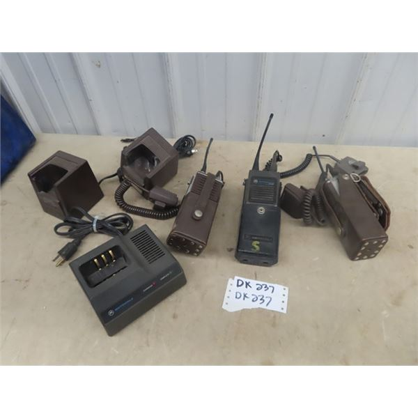 3 UHF Radios, 2 Standards , 1 Motorola w Chargers & Carrying Case - Will Work but needs Batteries