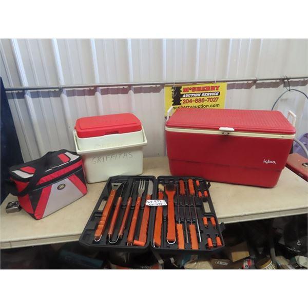 (WE) 3 Cooler & BBQ Utensils w Case