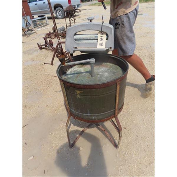 Old Washing Machine w Wringer - Copper Tub