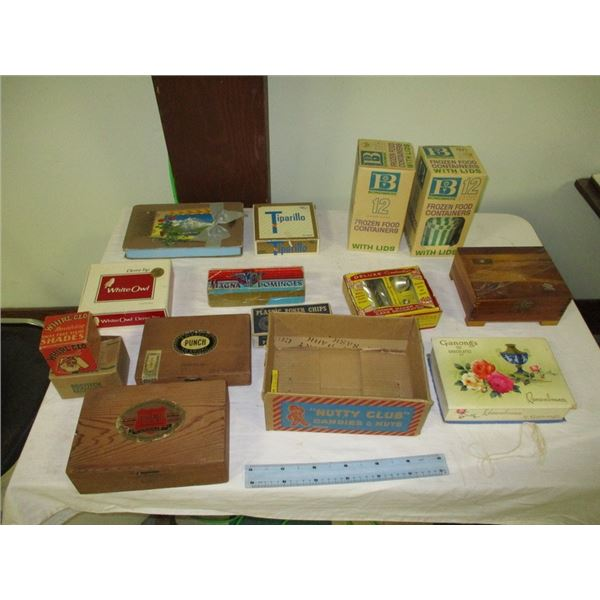 Lots of misc vintage advertising boxes (cigars, chocolates, etc)