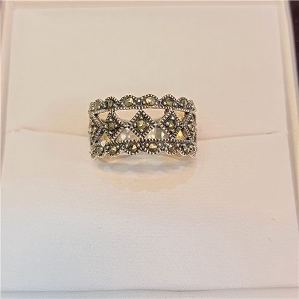 SILVER MARCASITE RING SIZE 6