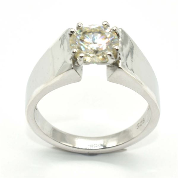 SILVER MOISSANITE (ROUND 8 MM)(2CT) RING SIZE 10