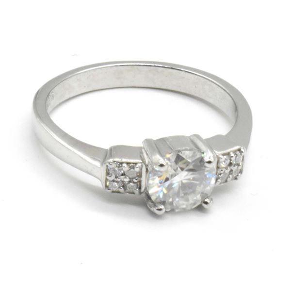 SILVER MOISSANITE (ROUND 7 MM)(1.4CT) RING SIZE 10