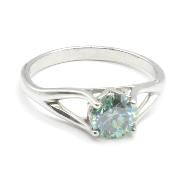 SILVER MOISSANITE (ROUND 7 MM)(1.35CT) RING SIZE 9.5