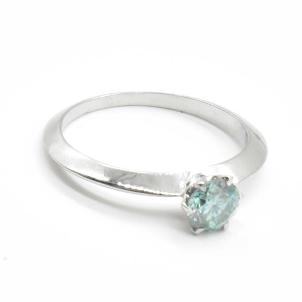 SILVER MOISSANITE (ROUND 5.5 MM)(0.65CT) RING SIZE 6.5