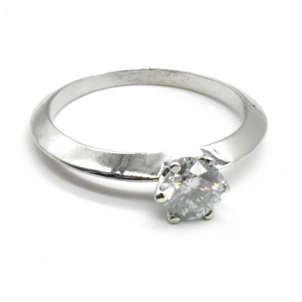 SILVER MOISSANITE (ROUND 6 MM)(0.8CT) RING SIZE 7