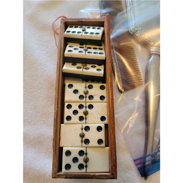 Ebony/Ivory dominoes original wooden box