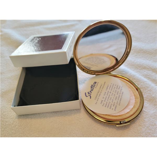 vintage stratton compact