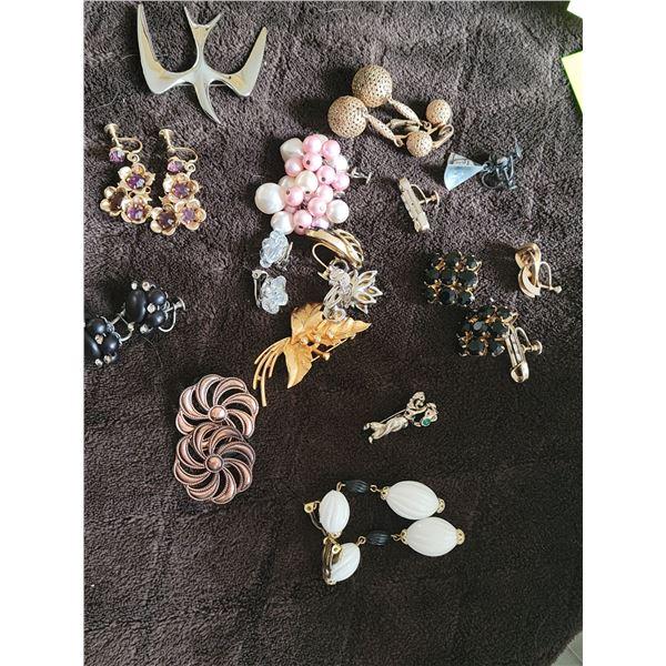 lot vintage clip earrings