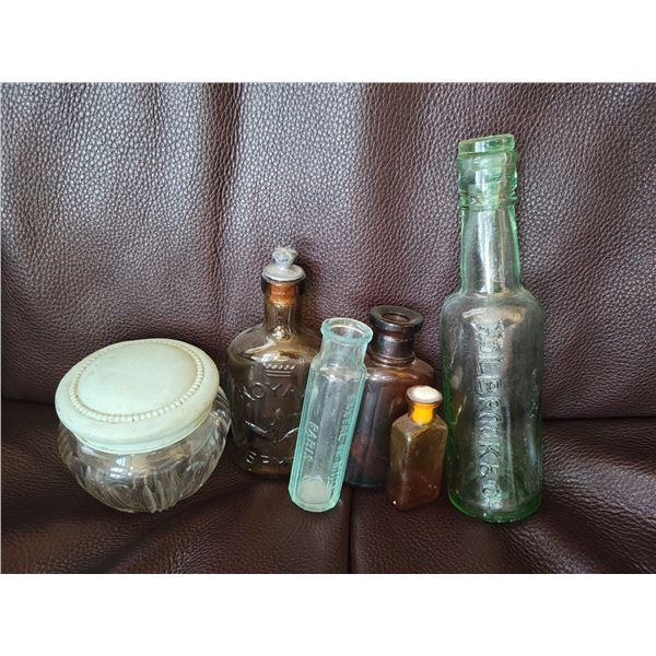 lot drug bottles antique stoppers