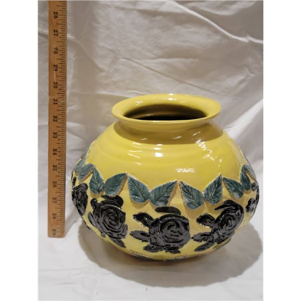 large pottery ware