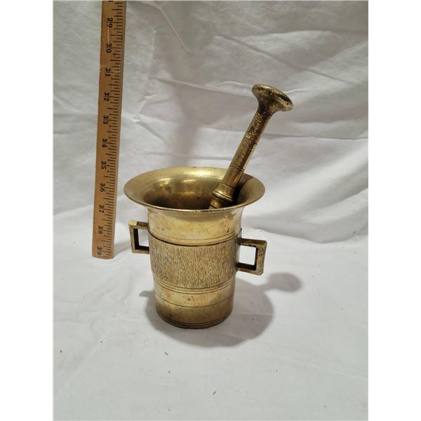 bronze mortar pedestal