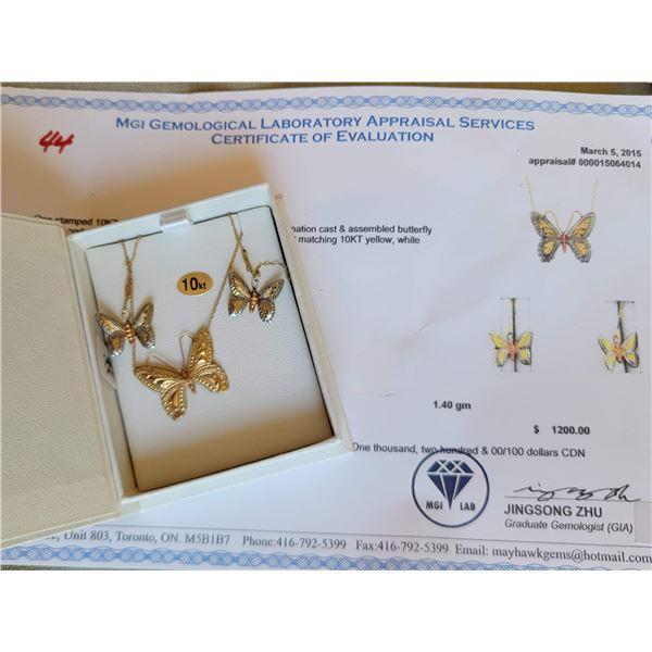 10 kt gold butterfly necklace earrings
