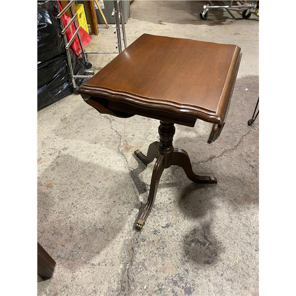 Accent table with drop sides