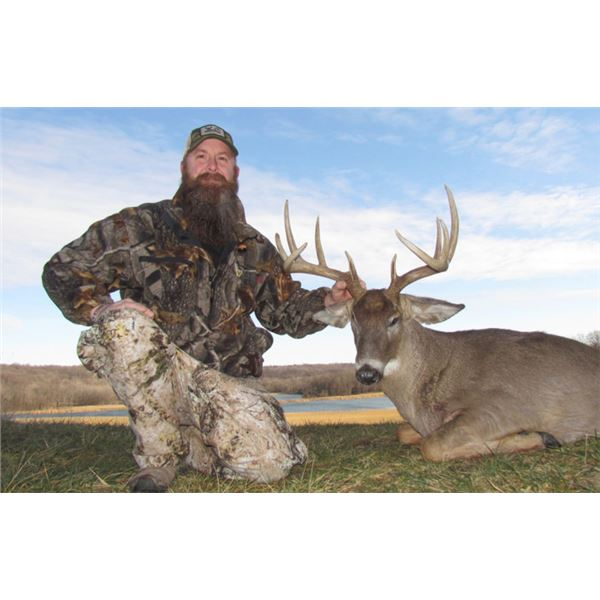 OH Whitetail Deer Hunt for 2 hunters, 3 days/4 nights