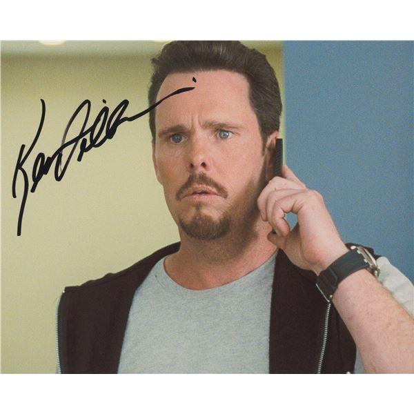 "Kevin Dillon signed ""Entourage"" TV photo"