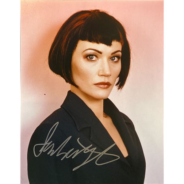 Sarah Wynter signed photo