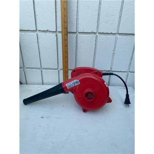 600 watt blower