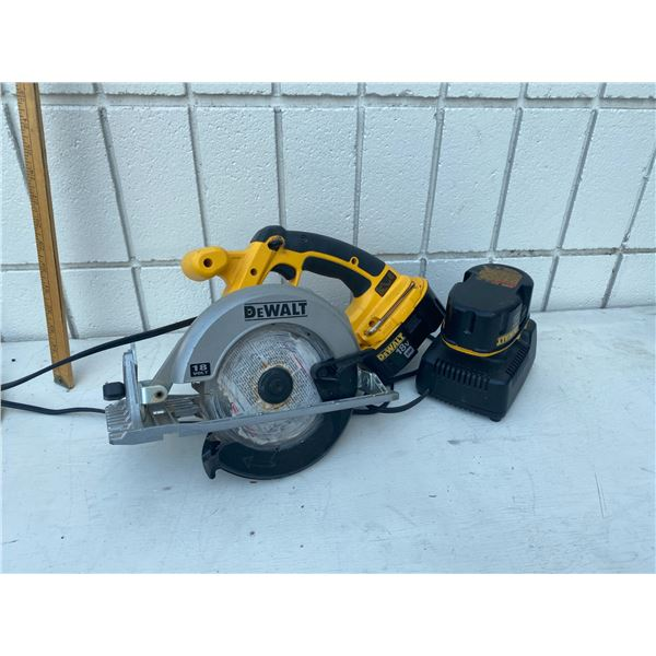 Dewalt skil saw rechargeable and charger