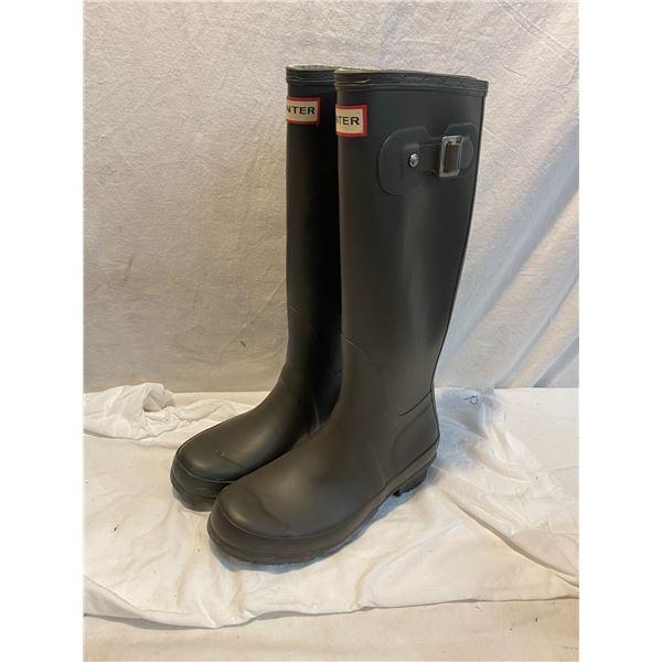 Hunter boots medium Size 6