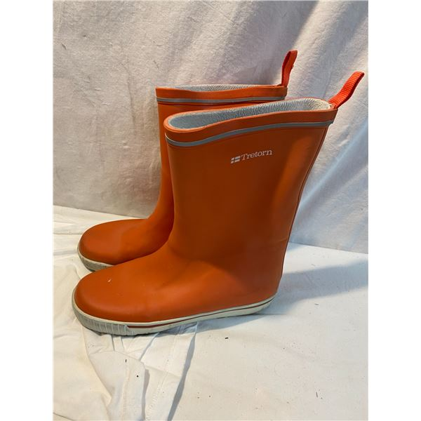 Tretorn boots size 36