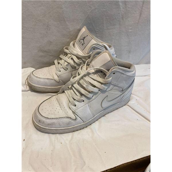 Nike shoes 5y