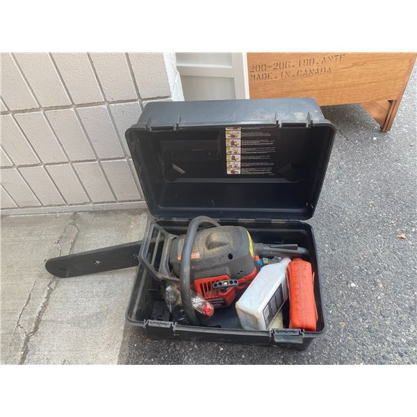 Chain saw and case