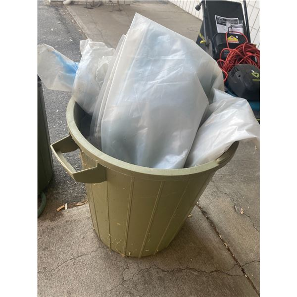 Garbage can with plastic