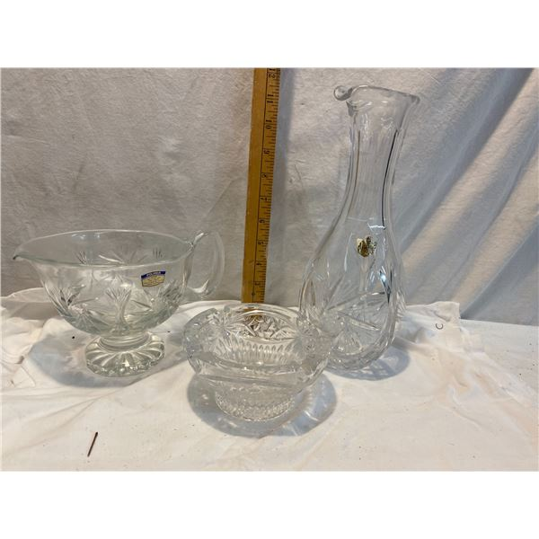 Crystal ashtray and two dispensers