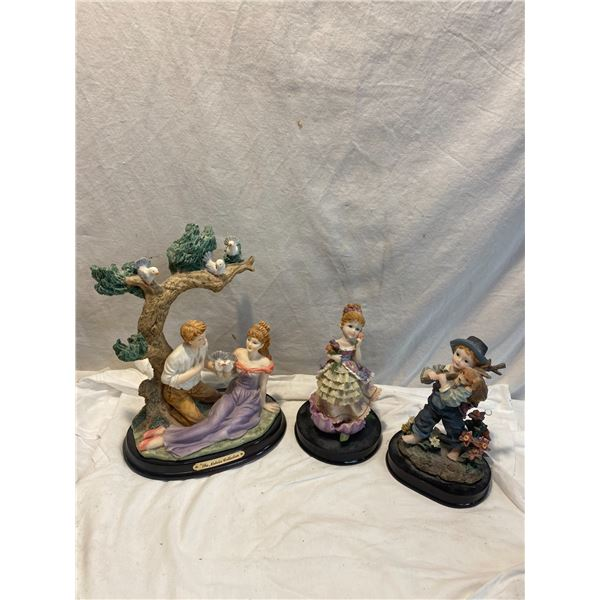 3 decor figurines