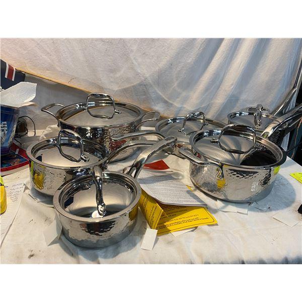 New pot set lagostina