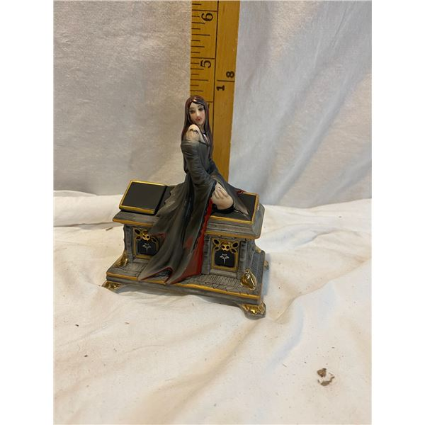 Anne stokes music box